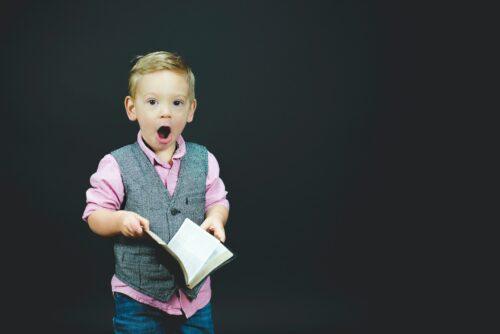 少年の読書による天才的気づきまたはひらめき